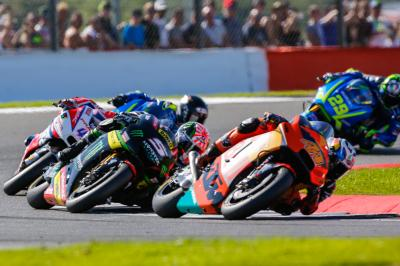KTM in Inghilterra: Espargaro su, Smith giù