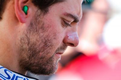 Crutchlow has operation on finger injury