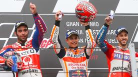 Marc Marquez wins in the rain - and ties the World Championship