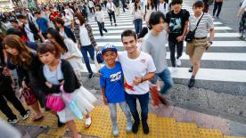 Pedrosa travels to Tokyo to meet his youngest Japanese fan who sent him a letter of support ahead of this weekend
