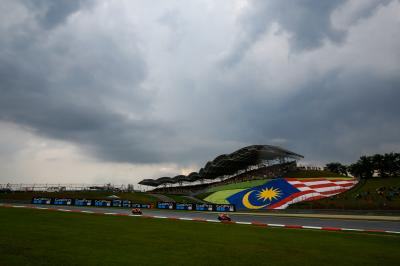 360: the awesome atmosphere at the #MalaysianGP
