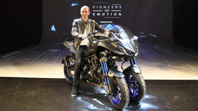 Rossi presents new Yamaha at EICMA