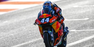 Oliveira on a roll: KTM quickest on Day 1