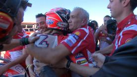 After Andrea Dovizioso crashed out of the #ValenciaGP, the Ducati Team provided a warm reception to thank him for his efforts in 2017