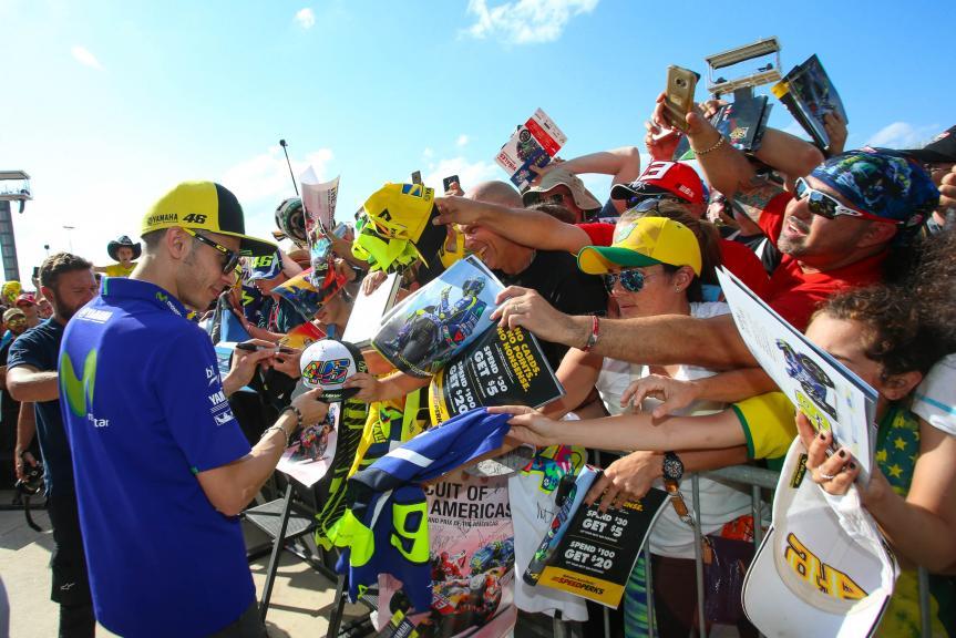 Valentino Rossi, Movistar Yamaha MotoGP, signing autographs