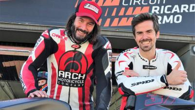 Keanu Reeves and Nico Terol on track in Valencia
