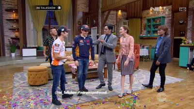 Dancing away: Marquez and Pedrosa star on Indonesian TV
