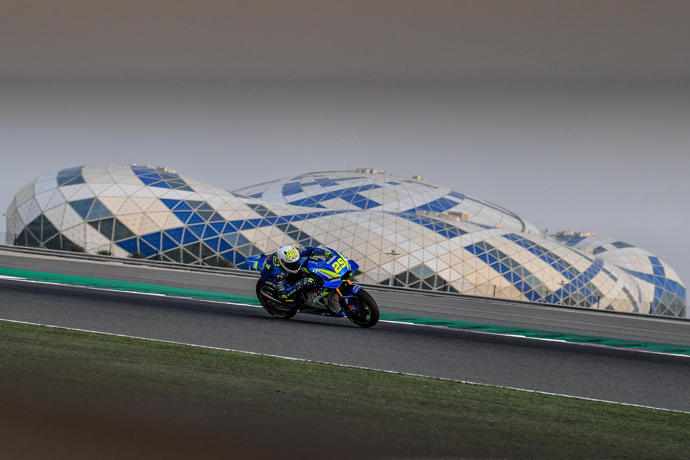 [Test] Losail 2018 29-andrea-iannone-italg5_3826.gallery_full_top_fullscreen
