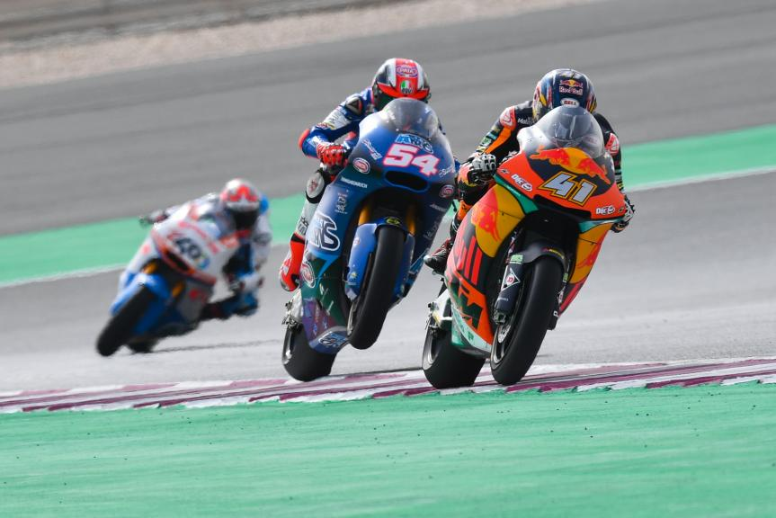 Brad Binder, Red Bull KTM Ajo, Mattia Pasini, Italtrans Racing Team, Grand Prix of Qatar