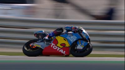Watch Alex Marquez's mechanical dramas in the Moto2™ race!