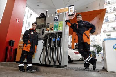 Caméra cachée: Márquez et Pedrosa jouent les pompistes