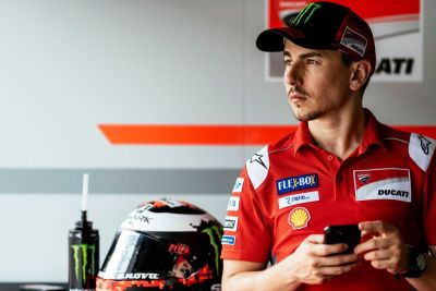 Waiting for returning to the ring. #JL99