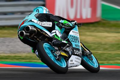 La pista amanece mojada y Bastianini domina el Warm Up
