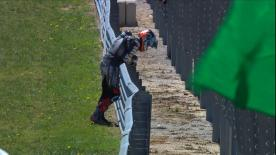 Marcel Schrötter a été victime d'une lourde chute à la sortie du virage 1 alors qu'il tentait de défendre sa quatrième place.
