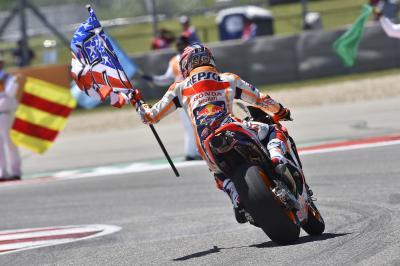 Márquez va a por Rossi y Agostini
