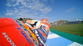 Revivez la première séance d'essais libres de la catégorie MotoGP™ à Jerez.
