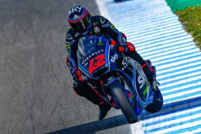Bagnaia marca el ritmo en la FP1 de Jerez