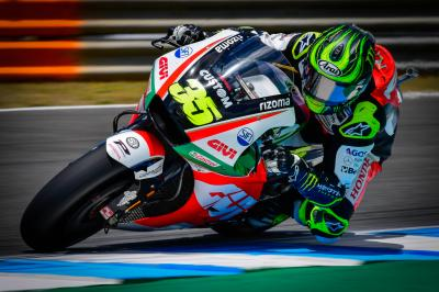 Crutchlow and Pedrosa on top, with 15 riders in a second!