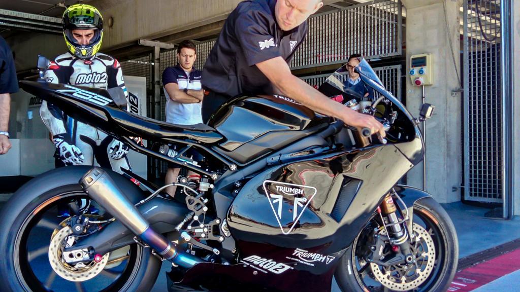 Triumph - Moto2