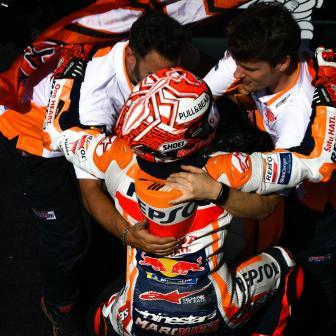 Marquez zieht durch Sieg mit Stoner gleich, Rossi auf Podest