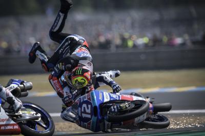 Last lap madness in Moto3 sees Martin, Bezzecchi crash