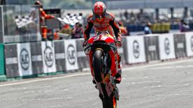 Reigning MotoGP™ champion takes advantage of Dovizioso and Zarco falls to take Le Mans win, ahead of Petrucci and Rossi