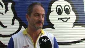 ミシュランのモータースポーツマネージャー、ピエロ・タラマッソが全面再舗装されたバルセロナ-カタルーニャ・サーキットで開催されたタイヤテストで供給したタイヤを評価。
