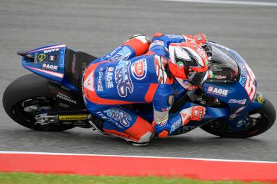 Pasini fastest, 20 riders in a second!