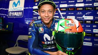Rossi unveils 'Mugiallo' helmet