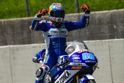 Photo-finish! Martin beats Bezzecchi and 'Diggia' in Italy