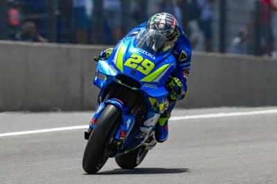 Iannone, Marquez and Dovi top Warm Up