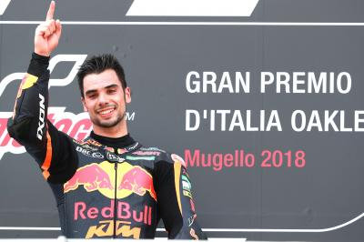 Oliveira wins spectacular Moto2™ race in Mugello