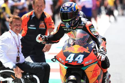 Oliveira and KTM back on top