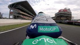 The 1999 500cc World Champion takes the MotoE™ bike for a test ride before the demonstration lap on Sunday