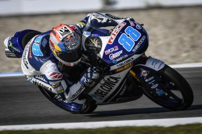 Martin leads a who's who of Championship contenders in FP1