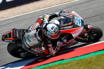 Schroetter takes charge in Moto2™ Warm Up