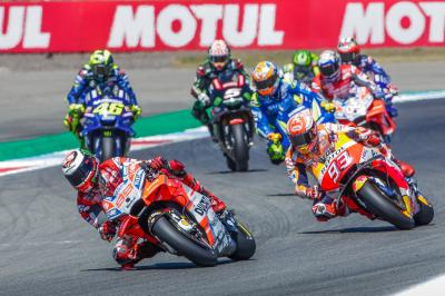 ¿Cuál es la mejor carrera de la historia de MotoGP™? ¡Vota!