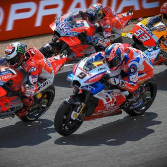 Lorenzo führt eine Ducati-Armada an Tag 1 an