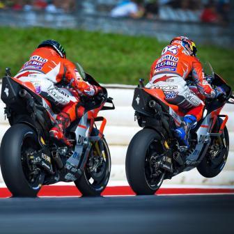 Ducati dominiert Tag mit zwei Hälften