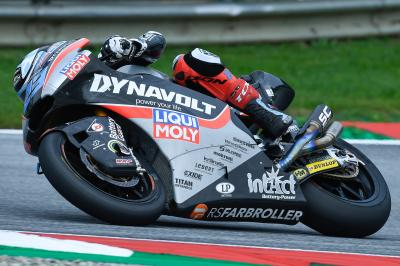 Schrötter heads Oliveira and Marquez on Sunday morning