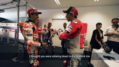 Marquez vs. Lorenzo... in der Box gefilmt