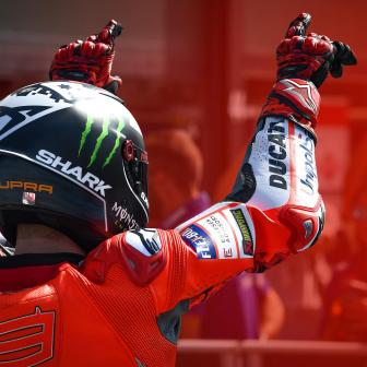 Lorenzo in Misano bedrohlich auf Pole, Marquez stürzt
