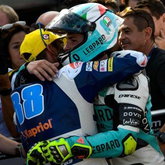 Traumhafter Debütsieg für Dalla Porta bei Moto3™ Drama