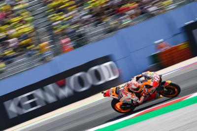 Marquez heads Ducati duo on Sunday morning
