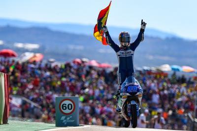 Moto3™ masterclass: Martin untouchable in Aragon