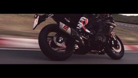 Akrapovic ci porta alla scoperta di come il finale da gara Yamaha possa trovare utilizzo quotidiano