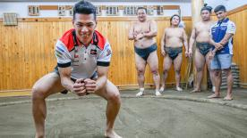 Takaaki Nakagami introduces Franco Morbidelli and Jorge Martin to an ancient Japanese tradition: sumo wrestling