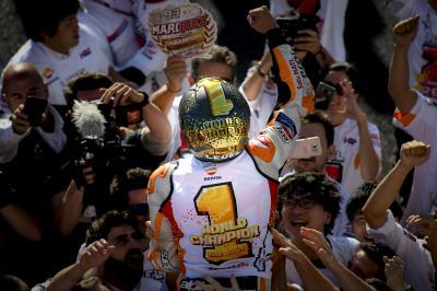 Schau Dir an, wie Marquez seinen 7. WM-Titel feiert