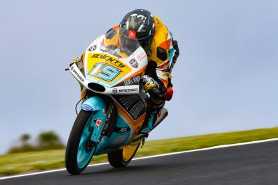 Rodrigo hits the ground running in Moto3™ Warm Up