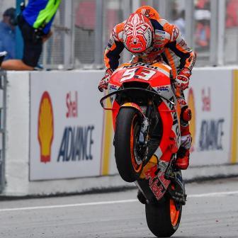 Marquez gewinnt in Malaysia, Rossi stürzt in Führung liegend